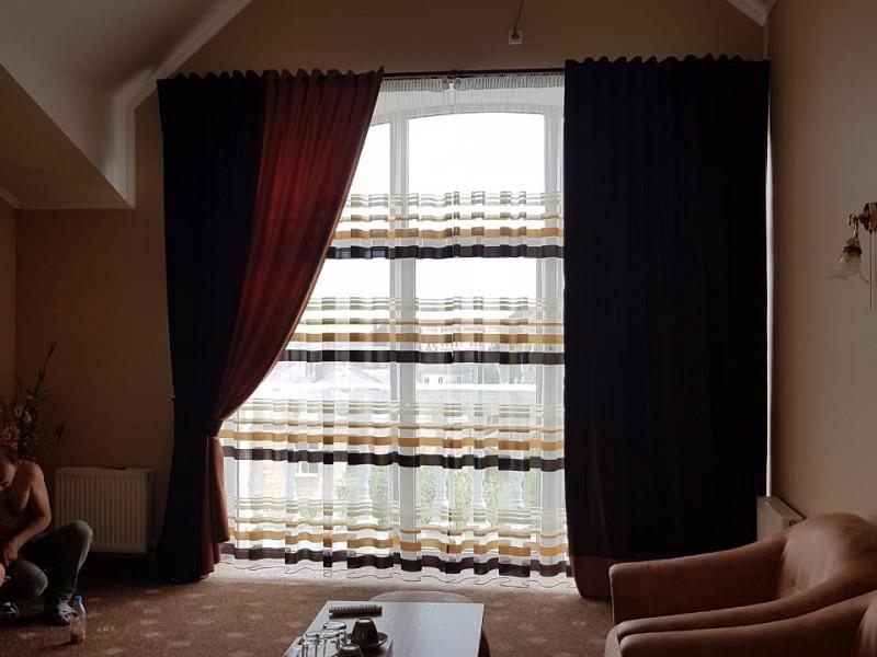 Hotel uman nomer lux